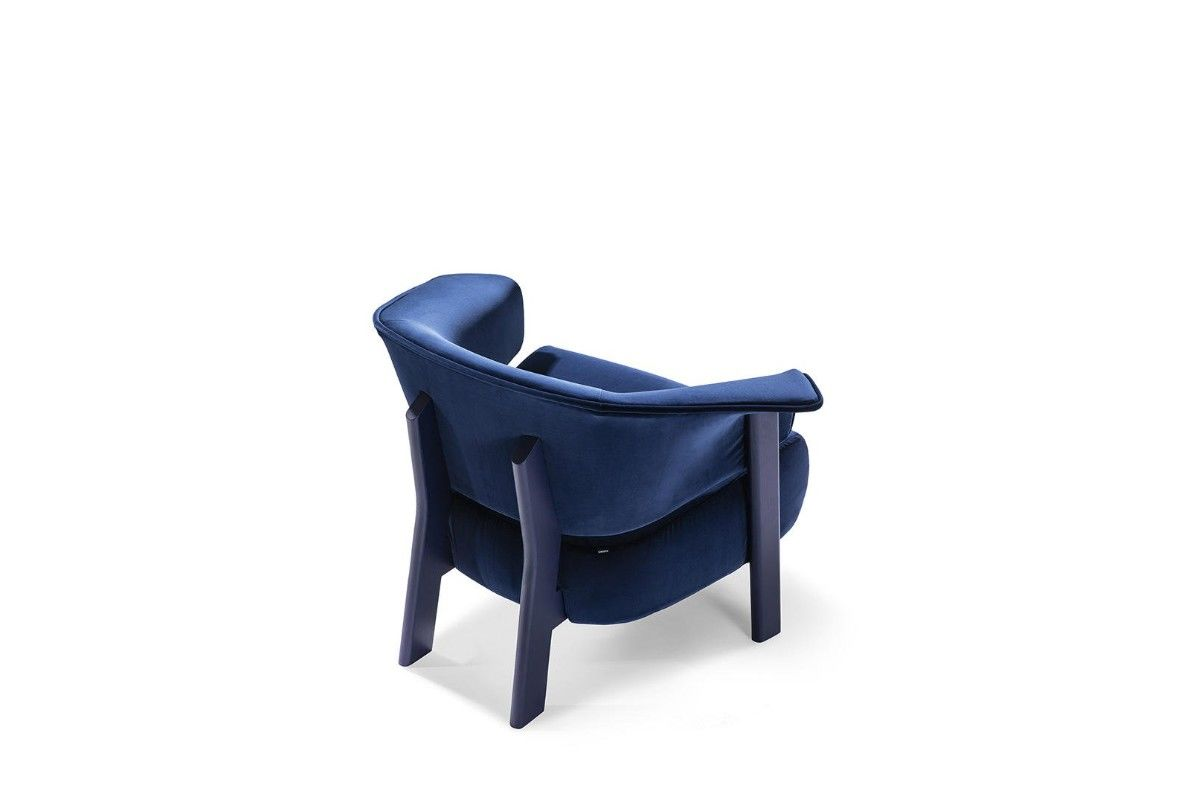 Cassina Back-Wing armchair